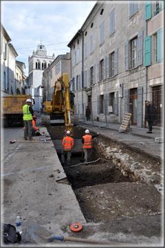 Fouilles archéologiques préventives place de la République 01