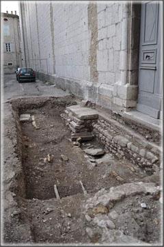 Fouilles archéologiques préventives place de la République 07