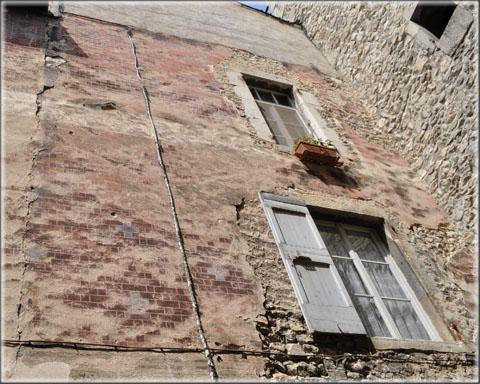 Consolidation des décors de la façade de la mairie de Châtillon 02