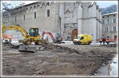 10 décembre : Début du chantier, les engins de terrassement enlèvent les couches superficielles