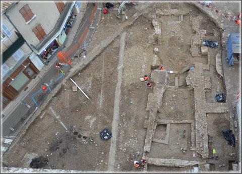 Place de la République : vues aériennes des fouilles 01