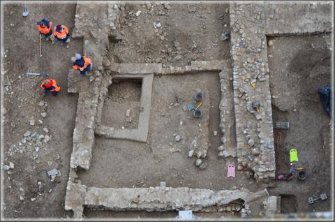 Place de la République : vues aériennes des fouilles 02